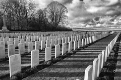 Connaught cemetery (Pix&Nature) Tags: france cemetery canon memorial war wwi 5d 80 1914 commonwealth 1418 1918 picardie bataille 1916 connaught cimetire somme thiepval premireguerremondiale