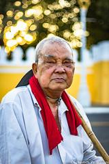 Old Man - Phnom Penh - Cambodia (Asia Trip Tour - Sbastien Pagliardini) Tags: world old man rouge photography cambodge cambodia khmer photographie royal pride palace class siem reap palais phnom homme penh echarpe vieil reab