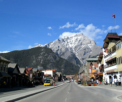 Cascade Mountain, from Banff Ave., Banff National Park (I'm cindylouwho2) Tags: travel canada spring bluesky alberta banff rockymountains geology banffnationalpark canadianrockies cascademountain downtownbanff banffavebrewingco