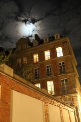 Strasbourg by night_2_IMG_5722 (Hlne (HLB)) Tags: windows light sky moon house france night lune europe nacht fenster himmel haus full strasbourg ciel alsace huis maison nuit fentres pleine