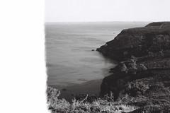 flat (BRRRUIT) Tags: sea bw sun mer france film 35mm photography holidays day bretagne sunny cte nb argentique crozon ouest bessar2a brrruit