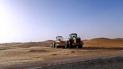 Engins جرافات (habib kaki 2) Tags: sahara desert dunes sable route algerie الجزائر صحراء طريق رمل adrar زاوية كثبان timimoune debagh الدباغ ادرار tinerkouk تيميمون zaouiet تينركوك