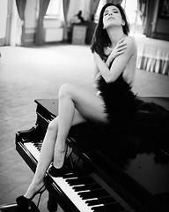 The glamour oh Giustina Ilenia Sculco #francescofrancia #glamourphotographer #glamourmodel #lingerie #sexylingerie #intimissimi #yamamay #victoriassecret #legs #feet #foot #glamourmodel #glamourphotography #sexy #ileniasculco #playboy #playmate #pictorial (francesco francia fashion photographer - fotografo) Tags: square squareformat iphoneography instagramapp uploaded:by=instagram