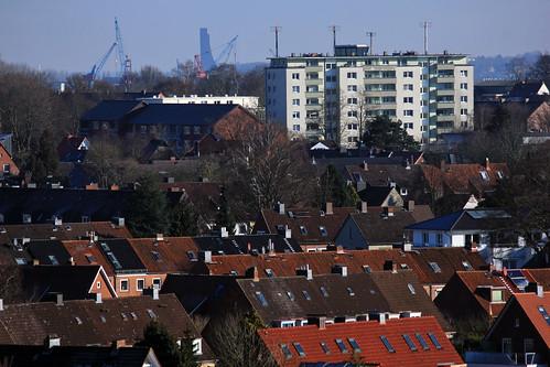 """Über dem Dächermeer • <a style=""""font-size:0.8em;"""" href=""""http://www.flickr.com/photos/69570948@N04/24716296699/"""" target=""""_blank"""">View on Flickr</a>"""