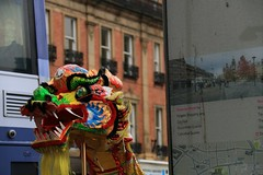 Pinstone Street For Chinese Dragons (Derbyshire Harrier) Tags: city winter colour bus rain sheffield damp chinesedragon chinesenewyearparade 2016 pinstonestreet sheffieldchineseschool