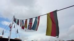 International Clouds (rocknrolltheke) Tags: friends amigos portugal colors cosmopolitan colours peace outdoor flags frieden porto colourful amis amici freunde farbig oporto bunt farben flaggen fahnen 30365 kosmopolitisch