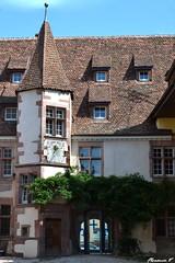 Ancien Htel de Berkheim, dit Cour de Berckheim (1523) (florence.V) Tags: france alsace 68 riquewihr hautrhin tourelle cadransolaire maisonalsacienne