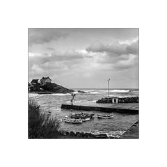 port de dolan,clohars carnot (hugues lebedel) Tags: 6x6 film port bretagne hasselblad bateau paysage bzh finistre breiz ilford400 dolan clohars carnot