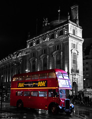 RTL 554 Reg:KKU 4 in Piccadilly Circus