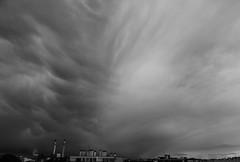 les coups d'pinceaux (laetitiablabla) Tags: sky cloud white black monochrome poetry noir glory creative lovers ciel val suburb nuage blanc vues banlieue marne