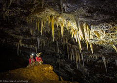 Ida and Helena in Cova de sa Campana (JohannesLundberg) Tags: spain nikon hobby cave geology es stalactite cccp speleology speleothem illesbalears caver escorca helenaolsson d7000 covadesacampana idafagerström