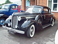 27 Buick Series 60 Sports Coupe (1938) (robertknight16) Tags: usa 1930s buick coupe brooklands roadmaster centuary cfm953
