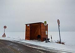 Haltestelle Heiersdorf (Ronny-1976) Tags: schnee winter bus architektur fujisuperia100 burgstdt fujifilmdlmini