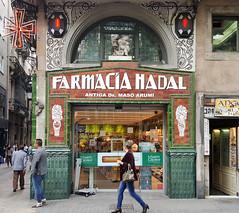 Farmcia Nadal Antiga Dr Mas Arum (neg_ocio) Tags: cerrado juego letrero antiguo cartel tipografa tradicional negocio