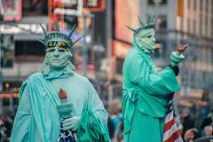 Times Square, New York, USA (ReinierVanOorsouw) Tags: travel usa ny newyork travelling america square reis abroad timessquare times amerika reizen travelphotography reisfotografie reiniervanoorsouw