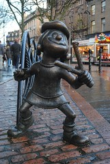 Minnie The Minx (zawtowers) Tags: street city november sculpture statue scotland dc high comic dundee centre sunday scottish visit historic strip minx thomson beano minnie publisher the 2015