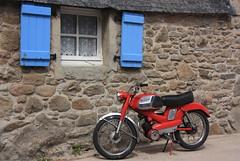 Motoconfort (philippe.ducloux) Tags: france canon brittany bretagne moto finistre le batz ledebatz 450d canon450d strictlygeotagged
