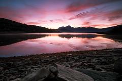 Lago di Campotosto, a new dawn is coming (jimmomo) Tags: sky lake mountains sunrise dawn italia montagna abruzzo campotosto laghi