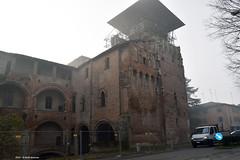 Rocca Grande di Finale (Paolo Bonassin) Tags: italy castle fog earthquake nebbia castelli 2012 emiliaromagna terremoto rocche finaleemilia leferitedelterremotoinemiliadelmaggio2012 terremotoinemiliamaggio2012