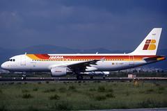 Iberia A320-214 EC-HAF BCN 14/03/1999 (jordi757) Tags: barcelona nikon airplanes bcn airbus kodachrome f90x a320 iberia kodachrome64 avions elprat a320200 echaf lebl