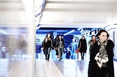 IMGP2390 (maurizio siani) Tags: lighting city italy station underground italia arte gente metro pentax tunnel persone napoli naples inverno stazione metropolitana sotto luce interno interni specchio citt febbraio illuminazione 2016 camminare corridoio sotterraneo fermata vanvitelli andare vomero k30 rifllesso specchiato specchiare