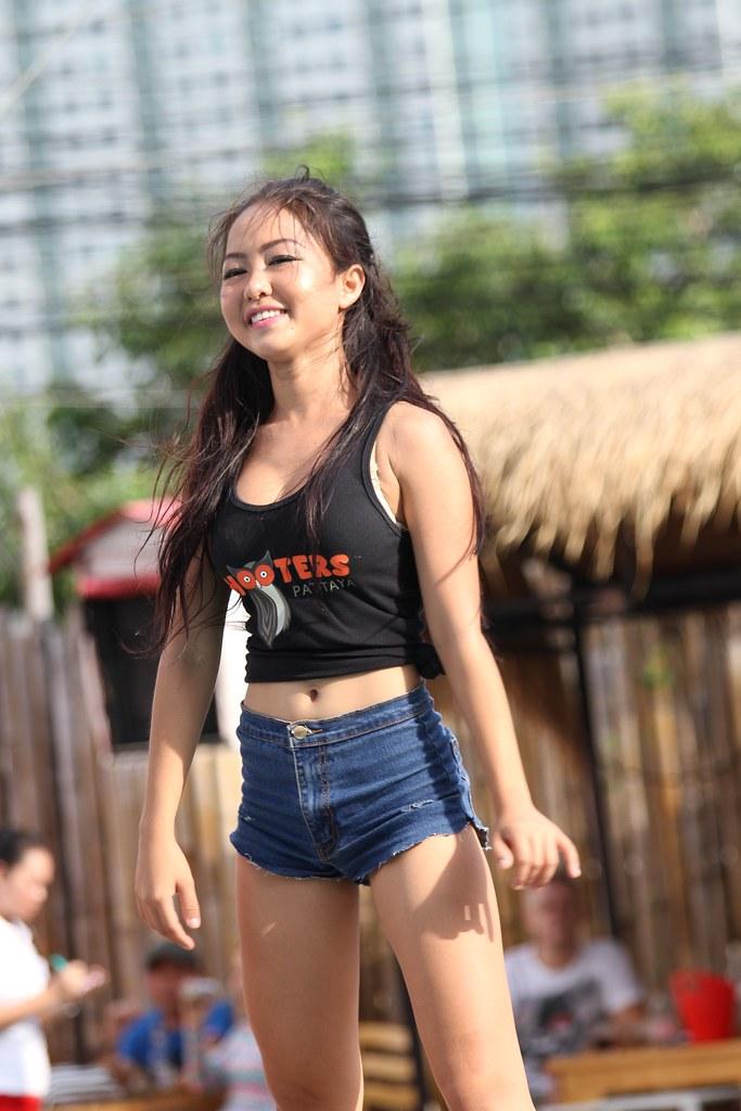 teen girl cameltoe short shorts