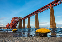 Forth Bridge (Matthias-Hillen) Tags: bridge sunset rock island scotland edinburgh sonnenuntergang railway insel prison forth matthias firth schottland firthofforth forthbridge felsen eisenbahnbrcke abendsonne hillen inchgarvie gefngnis seitlicht matthiashillen