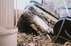 the helping hand (TSET0147) Tags: 35mm canon prime chaos f14 bauarbeiten maschine stemmen redring llens 52weeks primelens 35l tset festbrennweite canonef35mmf14lusm 35mml14 canon7d canon35l14 52wochen tset0147 projekt52wochen diefestbrennweite facebookdiefestbrennweite maybe52weeks