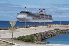 Carnival Legend in Mare (Val in Sydney) Tags: cruise carnival island boat mare ile bateau legend nouvelle caledonie