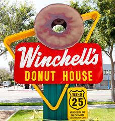 Winchell's (Thomas Hawk) Tags: california usa losangeles neon unitedstates fav50 unitedstatesofamerica mona donuts hollywood donut winchells museumofneonart fav10 fav25 winchellsdonuthouse