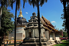 IMG_2613 Wat Phra Singh.(วัดพระสิงห์) (ol'pete) Tags: thailand temple buddhist chiangmai wat placeofworship วัด ประเทศไทย revered earthasia พุทธศาสนิชน watphrasinghวัดพระสิงห์