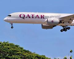 A7-ALF | Qatar Airways | Airbus A350-941 (jANgsg) Tags: singapore sunny blueskies qatarairways changiinternationalairport sinwsss cn011 airbusa350941 a7alf