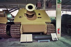 "Sturmtiger 1 • <a style=""font-size:0.8em;"" href=""http://www.flickr.com/photos/81723459@N04/26060367905/"" target=""_blank"">View on Flickr</a>"