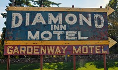 Diamond In The Rough (pam's pics-) Tags: usa sign america hotel us route66 midwest neon lodging ad motel mo advertisement missouri neonsign roadside themotherroad pammorris pamspics gardenwaymotel diamondmotel nikond5000 villaridgemissouri roadsidemissouri