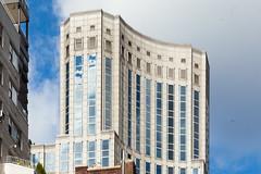 nyc - midtown misc 2015 5 (Doctor Casino) Tags: skyscraper officebuilding pomo highrise kpf exedra