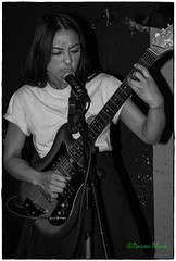 Negative Scanner, The Know, PDX, 4-15-2016 (convertido) Tags: flowers chicago rock oregon portland illinois punk tour scanner know dr or 15 il arctic identity negative april pdx friday postpunk darklight the 2016