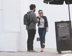 FFN_IMAGE_52039318 FFN_SET_70006171 (robstensimplesmente.amor) Tags: usa sunglasses jeans beverlyhills chanel redshoes blackhat blacktop kristenstewart