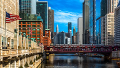 Chicago viewed from the Franklin Street bridge (Yves Kéroack) Tags: city winter chicago sunrise skyscrapers riverside hiver ville merchandisemart gratteciels wellsstreetbridge yveskéroackphoto