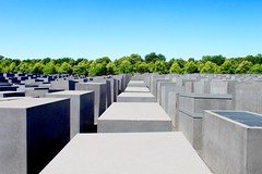 The Memorial to the Murdered Jews of Europe (XVilaboa) Tags: city blue berlin green museum architecture arquitectura monumento alemania museo petereisenman