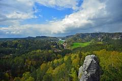 Blick vom Gamrig nach Rathen (Sandsteiner) Tags: spring landschaft bastei frhling rathen elbsandsteingebirge gamrig sandsteiner