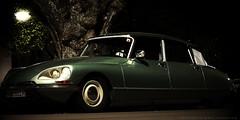 citroen ds car oldtimer voiture linde nachtaufnahme night lichter city street strase fahrzeug historisch design ikone macroelmaritr 60mm longexposure vehicle leica lumixgx7 gx7