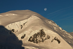 Moonset (Stefsan (on and off)) Tags: morning light shadow sky  moon mountain snow france alps nature rock sunrise canon landscape eos glacier stefan 7d mountaineering chamonix crevasse sandmeier serac montblancmassif bergschrund alpinelandscape stefsan dmeduguter
