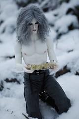 ThePresence015 (Red Ribboned Dolls) Tags: david redribbon sd bjd abjd urke photostory dollshe kuncci woroh urkeresh