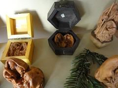 DSC00431 (camaradecoimbra) Tags: portugal natal navidades merrychristmas christmastime painatal sagradafamlia rainhasanta acadmica joyeuxnoel meninojesus queimadasfitas briosa bolasdenatal mercadodpedrov prespiosartesanais artesosdecoimbra burningribbons