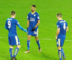 Getting ready for the second half (lcfcian1) Tags: city uk england sport football king power stadium leicester premier bournemouth 00 league afc premiership afcbournemouth bpl premierleague epl leicestercity dannydrinkwater jamievardy riyadmahrez leicestervbournemouth