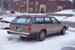 1992 Oldsmobile Cutlass Cruiser SL (DVS1mn) Tags: station wagon sl cruiser oldsmobile stationwagon cutlass