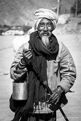 www.facebook.com/denisveselyfotograf (Denis Vesely) Tags: nepal portrait people photography earthquake denis jomsom vesely sahdu