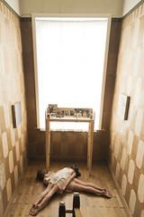 (takeitysie) Tags: light portrait brown window table artwork nikon floor belgium natural duo belgi gits double portret annelies karolien patroon d610 duoshoot severens tysje schaakpatroon takeitysie tysjeseverens