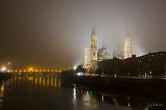 Zaragoza en la niebla (J Fuentes) Tags: sky rio fog pilar clouds river noche flickr save zaragoza cielo nubes nocturna ebro niebla baslica iluminacin aragn
