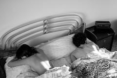 Distanze (Antonella Giuliano) Tags: blackandwhite woman love canon donna uomo conceptual amore biancoenero concettuale solitudine 700d eos700d